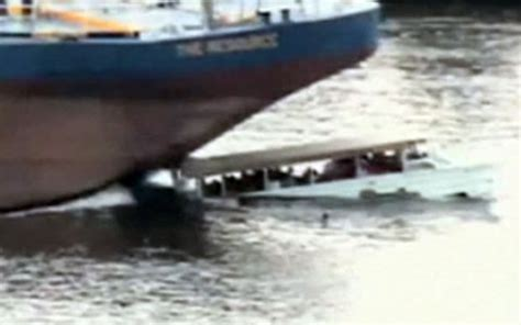 boat crash usa video video of fatal us tour boat collision released