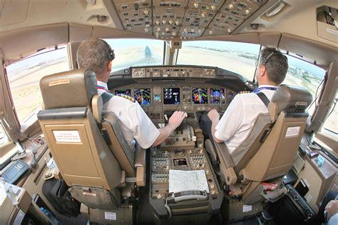airplane jump seat dimensions file transaero 777 200er flight deck jpg wikimedia commons