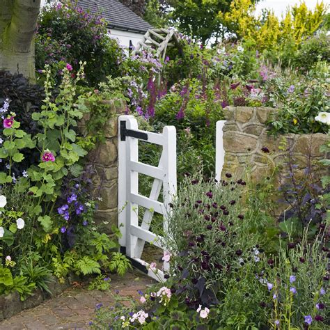 cottage garden ideas 9 cottage style garden ideas gardening ideas