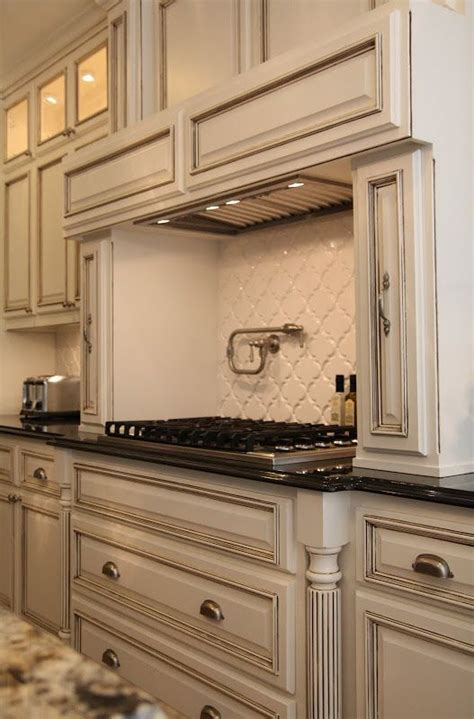 cream kitchen cabinets with chocolate glaze paint is benjamin moore quot white dove quot with a chocolate