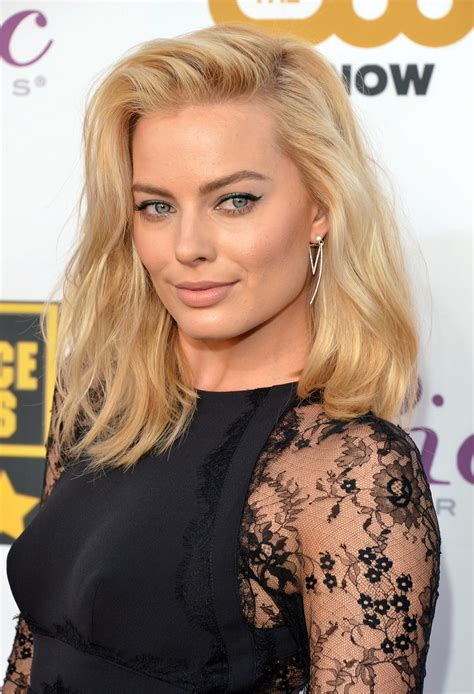 margot robbie 360 degrees of all out glamour at the