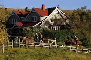 farmhouse ranch slideshow 10 canadian farm stay and ranch vacations where ca