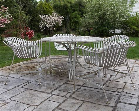 Rare Russell Woodard Sculptura Wrought Iron Outdoor Garden Sunburst Outdoor Furniture