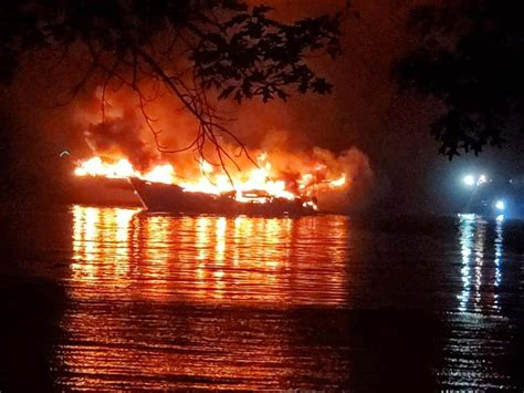 boats destroyed  fire  green turtle bay wpky  fm