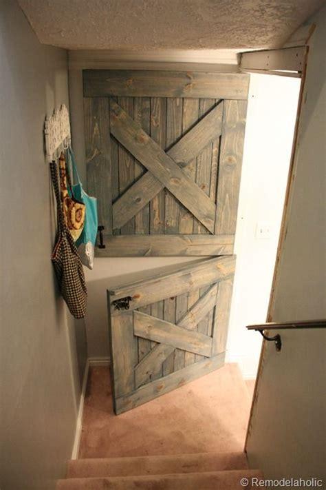 Half Barn Door 25 Best Ideas About Half Doors On Barn Door Baby Gate Baby Gates And Rustic Pet Doors