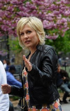 amy carlson haircut is it good for thick wavy hair amy carlson hairstyle on blue bloods google search