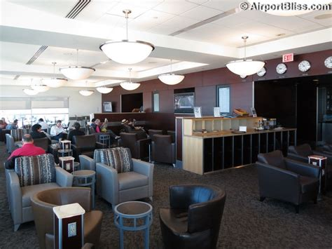 Alaska With Room And Board by Alaska Lounge Seattle Wa Seattle Tacoma International Sea Loungereview