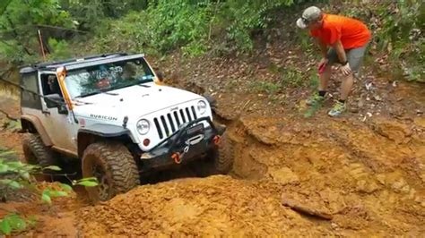 jeep mountain climbing jeep jk wrangler rubicon on 37s climbing at barnwell