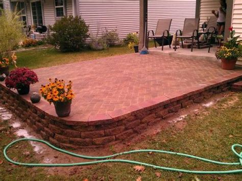 Patio Pavers Slope Slope For Patio With Retaining Wall Doityourself