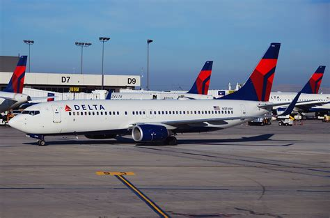 delta 737 800 economy comfort delta airlines comparing modern day airlines