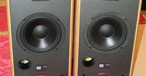 loudest bookshelf speakers 28 images 2 x bowers