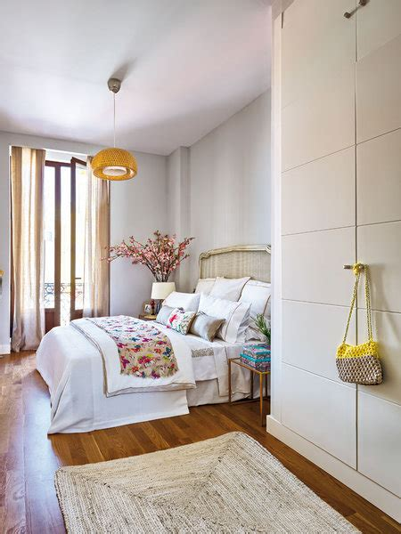 como decorar un espejo hexagonal trece armarios para el dormitorio mi casa