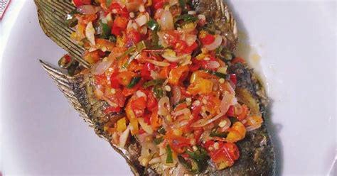 resep ikan sambal matah enak  sederhana cookpad