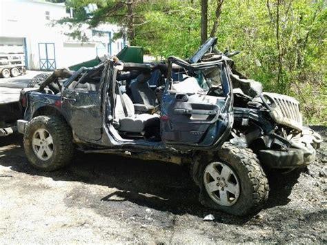 jeep accidents rubicon4wheeler 3 survive a severe rollover