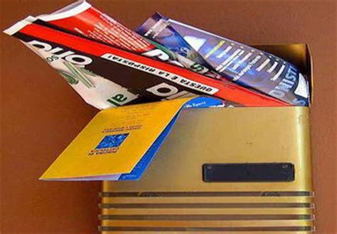 cassetta postale piena pubblicit 224 postale ogni mese 96mila tonnellate nelle
