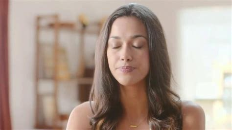 Glade Commercial Actress | glade hawaiian breeze tv commercial feel relaxed ispot tv