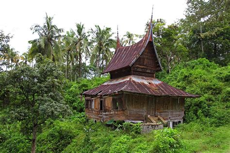 local house sumatra is a tropical paradise in indonesia travel photography blog by nisa maier