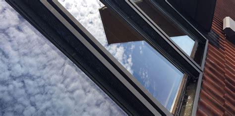 Matratze Reinigen Lassen by Dachfenster Reinigen Lassen Vom Profi Dachfl 228 Chenfenster