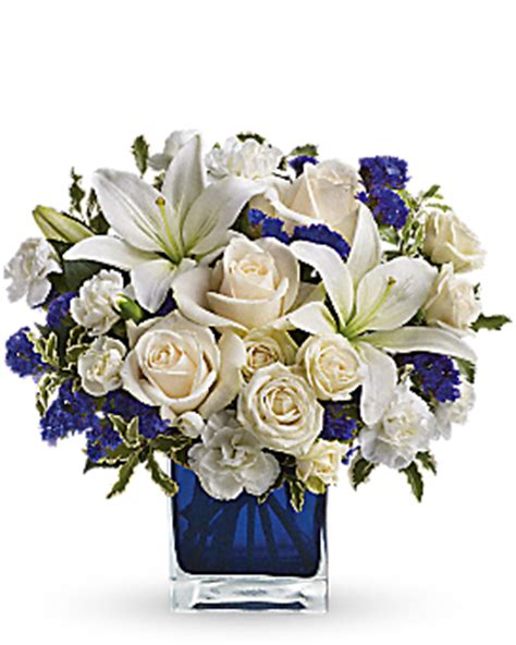 Ftd Vases Beautiful In Blue Bouquet Teleflora