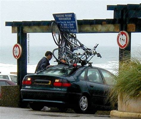 Comment Installer Un Porte Velo Sur Une Voiture by Porte V 233 Lo De Toit Avis D Utilisateurs Svp Velo Vert