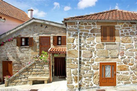 casas rurales norte de portugal casas no norte de portugal imagem de stock imagem de