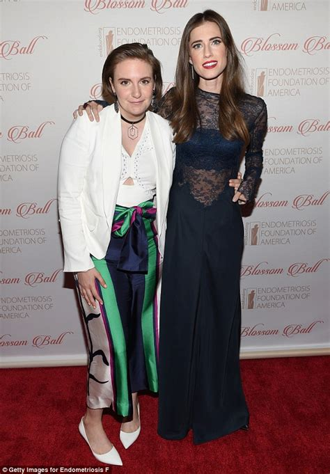 lena dunham red carpet allison williams cosies up to lena dunham on red carpet of