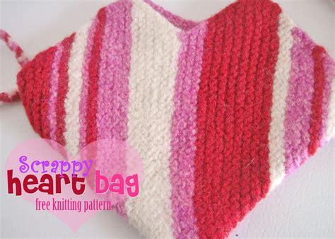 free knitting pattern heart shape free knitting pattern scrappy heart bag