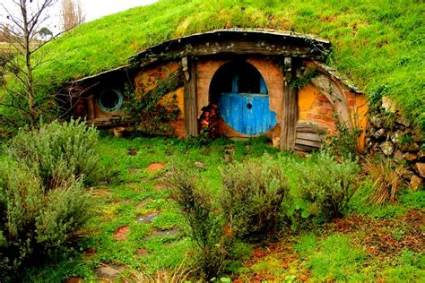 pictures of hobbit houses the flying tortoise where the hobbits live