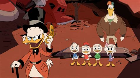 disney ducktales woo oo cinestory comic books ducktales review adventure filled reboot is all it s