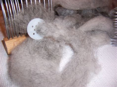 difference between corded and combed yarn combed vs carded creating yarn spinning dyeing etc