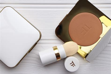 tom ford ultimate bronzer  bronze age  model recommends