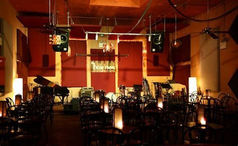 living room brooklyn ny another classic lower east side venue decs to brooklyn