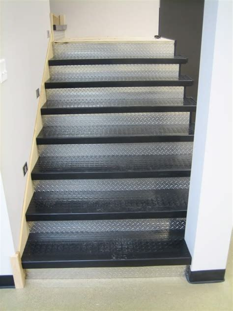Diamond Plate Stair Treads by Rubber Stair Treads And Diamond Plate Risers Stairs