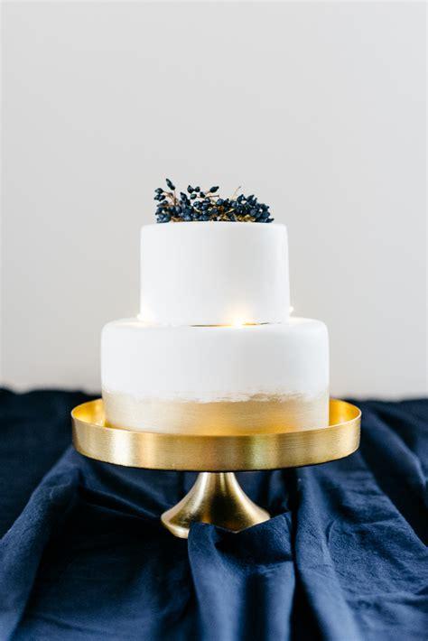 Goldene Hochzeitstorte by Winterhochzeit Blau Mint Gold Friedatheres