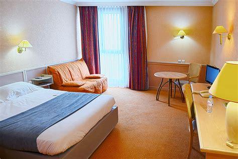 hotel lyon chambre 4 personnes les chambres de l h 244 tel lyon est peuvent accueillir jusqu