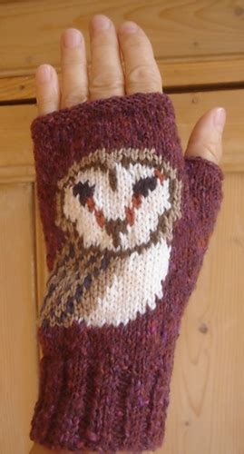 barn owl face fingerless mitts gloves by twistedclassics ravelry owl face fingerless mitts gloves pattern by