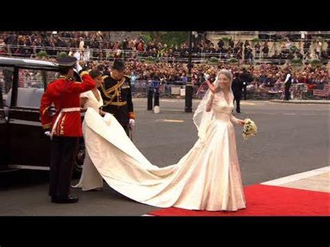 kate middleton's wedding dress revealed the royal