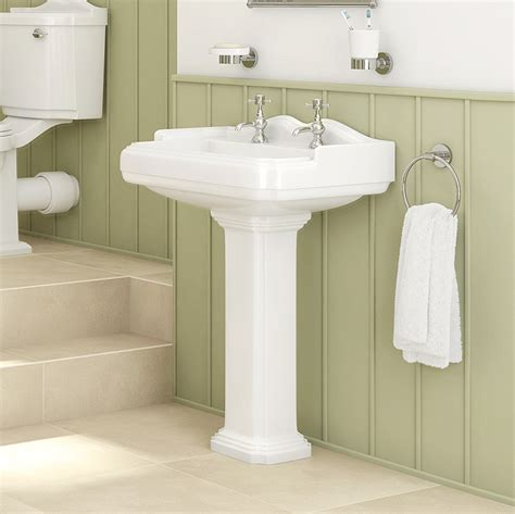 deals on bathroom suites 1700 traditional victoriana slipper bath suite