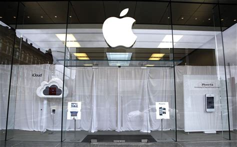 apple store hours lincoln park apple retail stores in tribute to steve