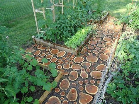 wood garden weekend diy project cut wood garden path homejelly