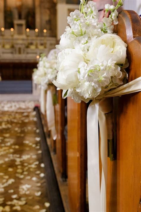 church wedding flowers images best 25 pew flowers ideas on pew ends church