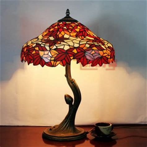 tiffany style bedside ls 16 inch tiffany style maple leaf pattern stained glass
