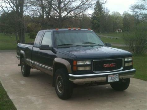 sell used 1995 gmc sierra 2500 6 5l diesel long box extended cab towing package in washburn