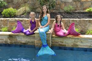 schwimmbad frisuren live mermaids in our pool and giveaway