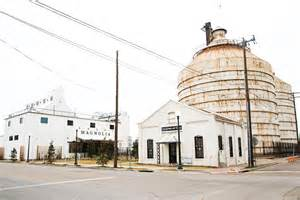 magnolia market visit magnolia market and the silos 6 things to know before you go pink peppermint design
