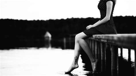 wallpaper of girl sitting alone sad girl images sad girls crying sitting alone wallpapers