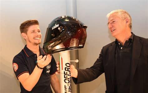 Helm Nolan Casey Stoner Casey Stoner Gets Special Nolan X Lite Carbon Helmet Image
