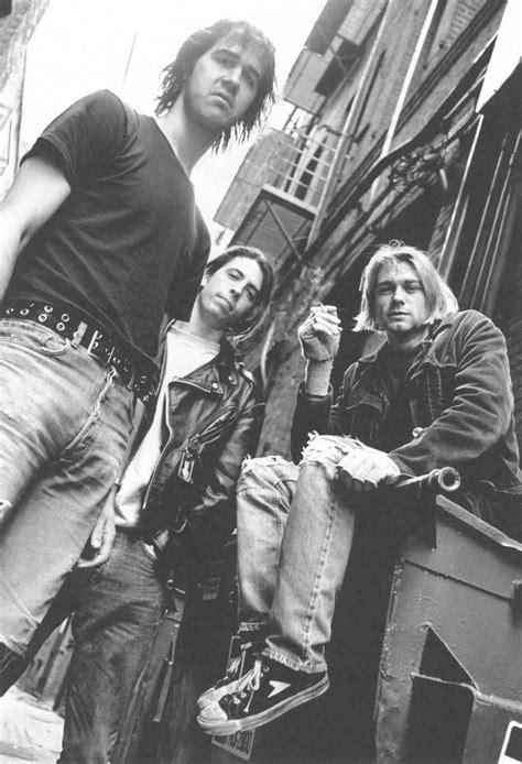 Sepatu Bata Kurt Cobain bata brings back the kurt cobain worn hotshot juice