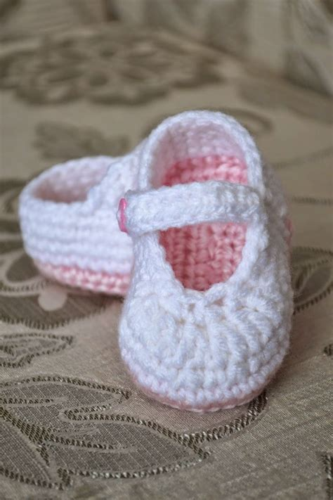 free crochet patterns baby shoes crochet newborn baby shoes design with chain and free