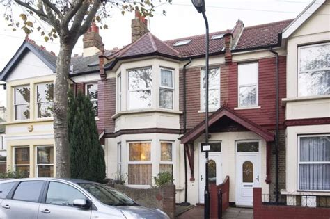 6 bedroom house in london 6 bedroom terraced house for sale leigh road london e10 6jj